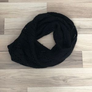 🤘New York and company black knit infinity scarf